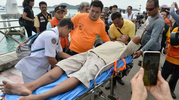 外媒关注泰国游船倾覆事件:遇难者增至40人 中国游客伤亡不小
