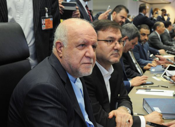 """伊朗石油部长:特朗普""""侮辱""""欧佩克 扰乱石油市场"""