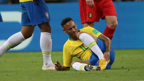 球员假摔是因