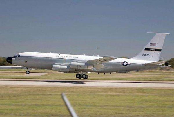 图为OC-135侦察机