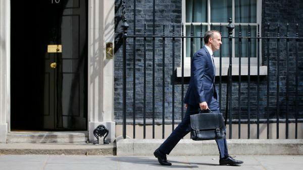 英脱欧大臣外交大臣相继辞职 特雷莎·梅面临政治危机