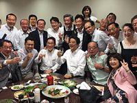 日本特大暴雨致百余人丧生 安倍与议员大开晚宴遭批