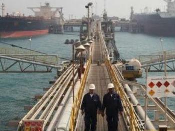 蓬佩奥:美方将考虑对一些进口伊朗石油的国家实行豁免