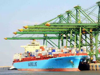 美媒:关税战令全球航运业雪上加霜 多家巨头盈利艰难