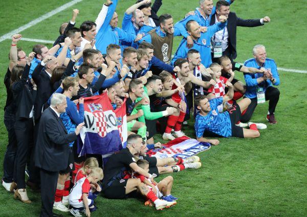 """幸运飞艇几点到几点:""""高卢雄鸡""""手握天时地利人和_外媒:登顶世界杯法国队更有谱"""