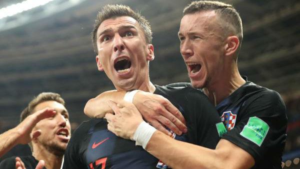 俄罗斯世界杯缘何黑马频出?外媒:所谓的弱队能为获胜而疯狂