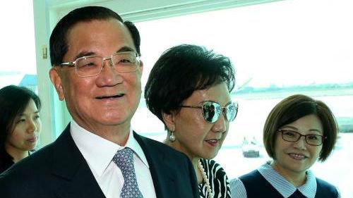 台媒:连战访陆会晤刘结一 盼两岸管道继续发挥作用