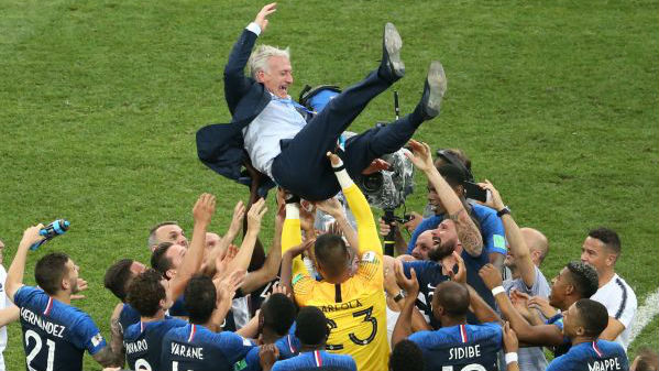 """特朗普贺法国队夺冠 美媒:球员多来自其所谓""""粪坑""""国家"""
