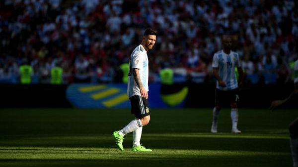 世界杯难忘瞬间:C罗眼神梅西背影 姆巴佩的奔袭内马尔的滚