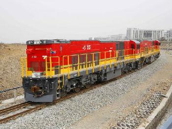 出海记|厉害了!西非首条城轨中国造 首批出口车辆投入运行