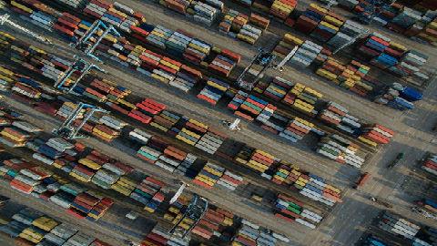 """港媒:貿易戰波及香港巨額轉口貿易 香港業界""""未雨綢繆"""""""