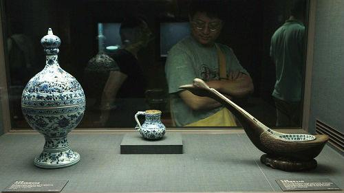 """台北故宫竟要""""去中国化""""?岛内质疑:明明都是中国文物"""