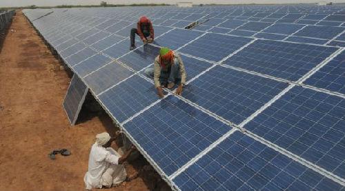 """印度拟对中国太阳能产品加关税 认为""""威胁""""印电池设备制造业"""