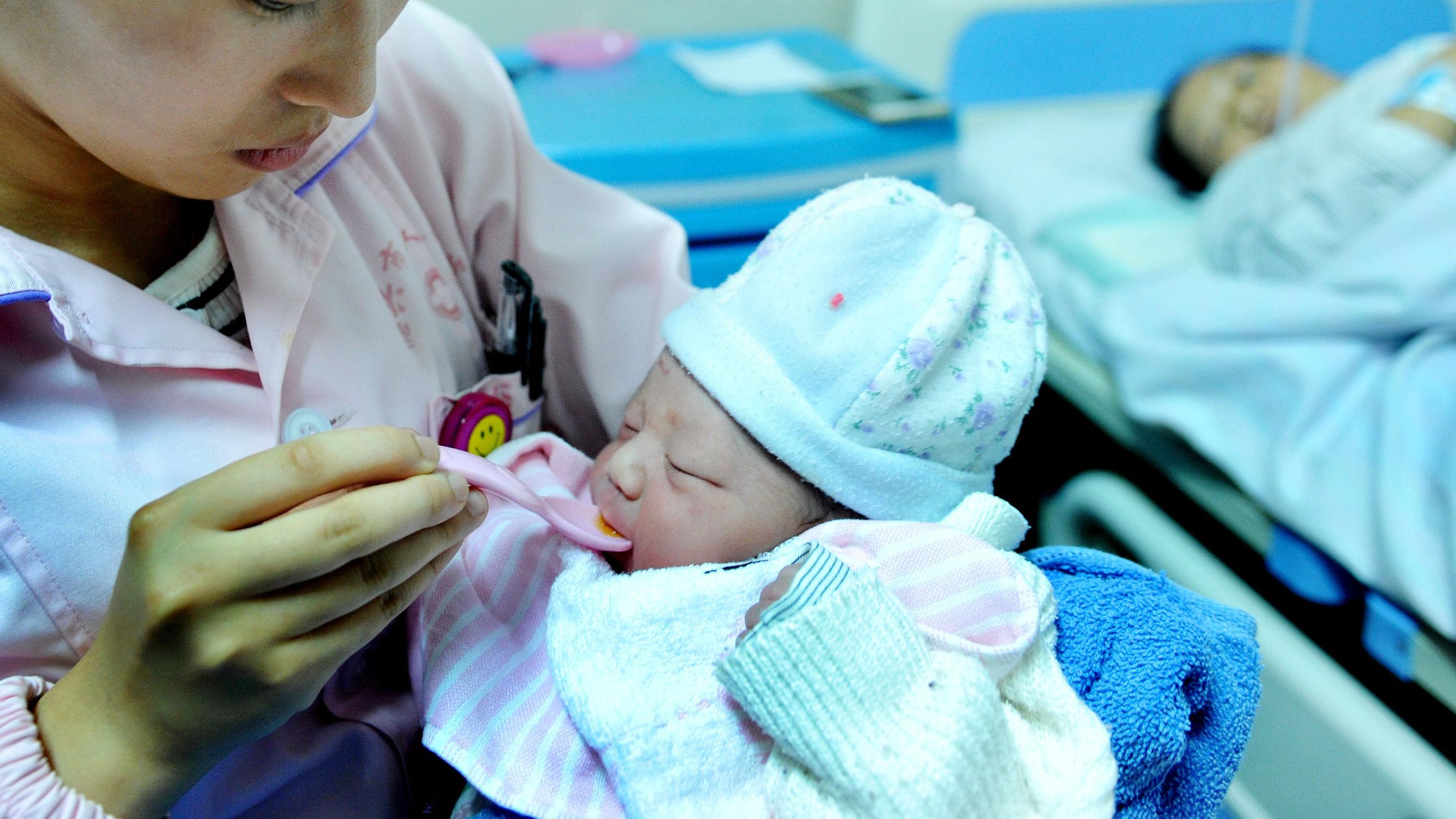 港媒关注辽宁奖励二胎政策:内地其他地区或陆续跟进