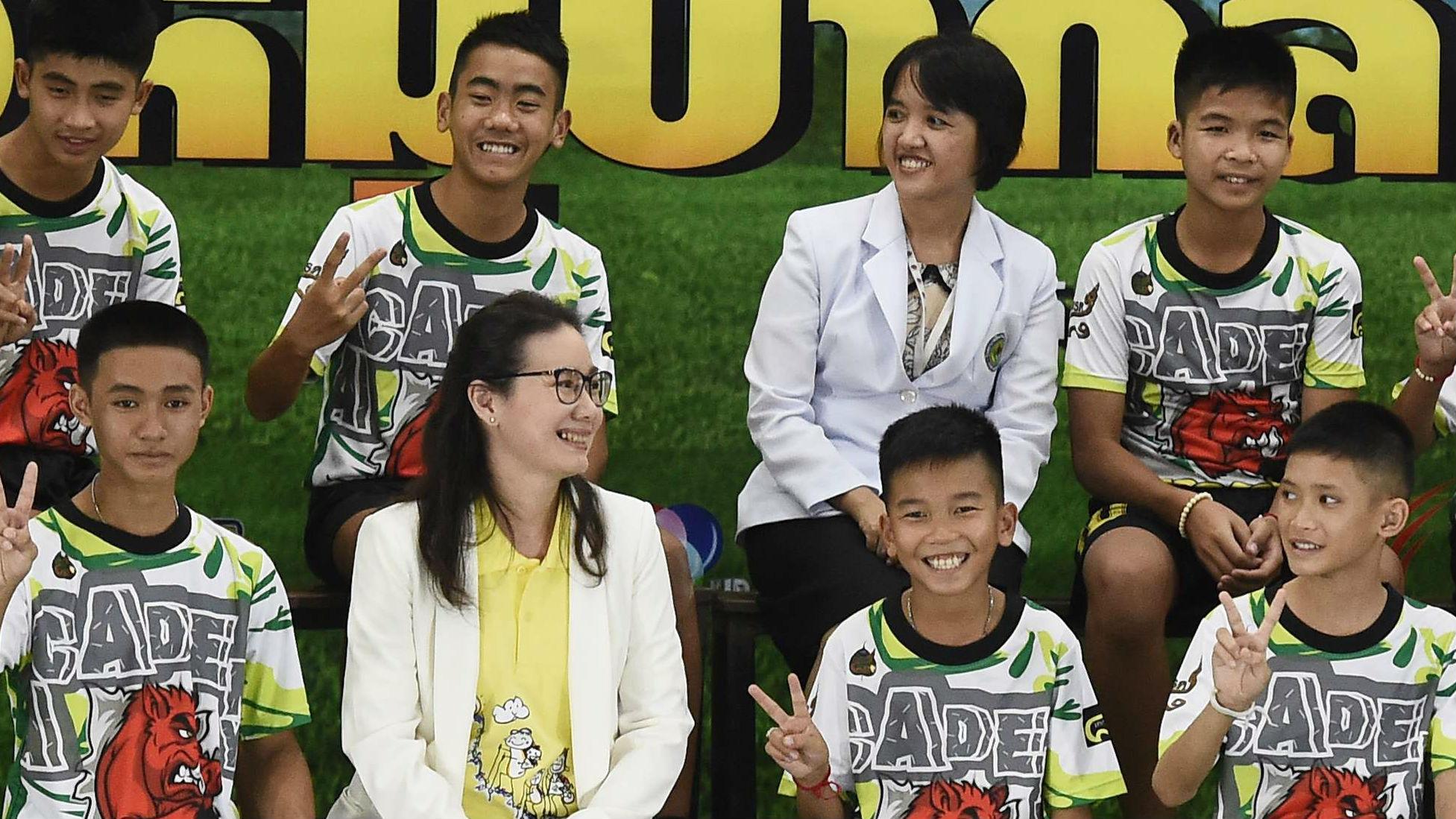 外媒:泰国足球少年讲述历险经过 最苦莫过于饥饿难耐