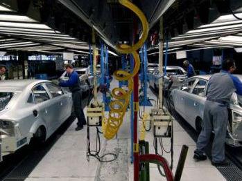 欧盟开征钢铁临时特别关税 欧洲汽车制造商协会仍不满