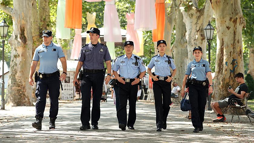中国与克罗地亚警察在萨格勒布进行警务联合巡逻