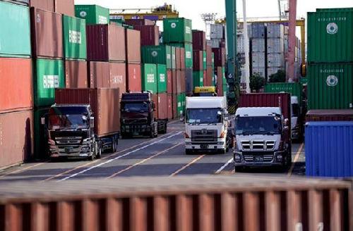 日媒:日本上半年对华出口创新高 6月份对美出口下滑