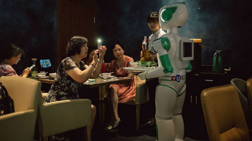 美媒称中国人热情拥抱新科技:更愿意尝试新事物