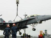 吊机上舰!看美海军航母如何装载战机