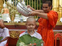 泰国获救少年足球队成员剃度 将短期出家