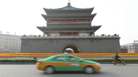 美国乘客在华打车误付100倍出租车费 司机退还获盛赞