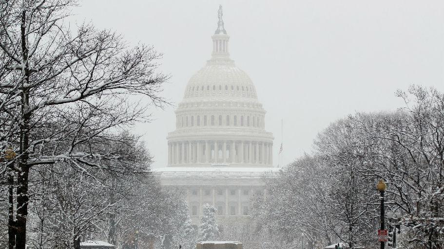 英媒:美国参议院悄然通过降低关税议案 涉数百种中国商品
