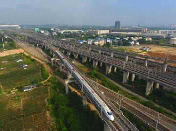日媒称中国25年未出现过经济衰退:摸索出稳定宏观经济新路