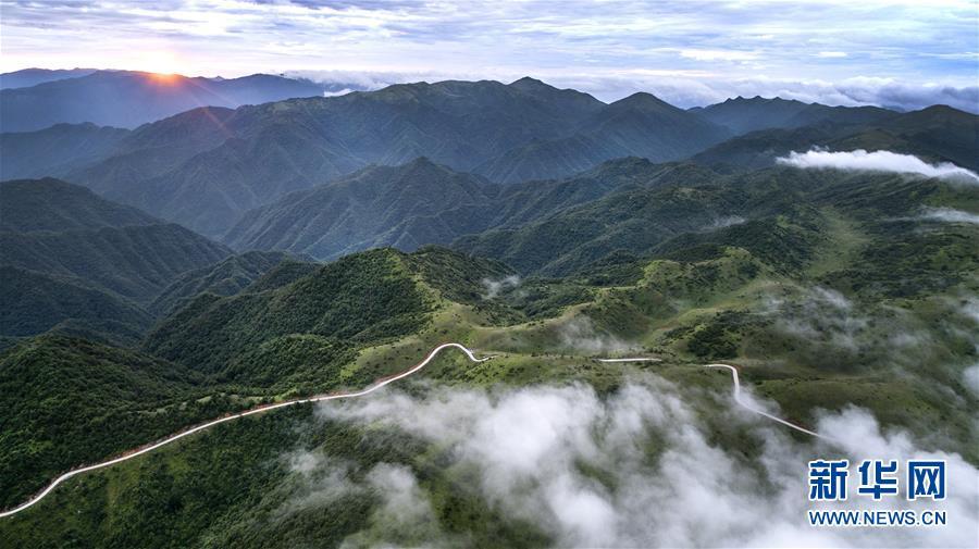 美丽中国:在青山幽谷间享受清凉世界