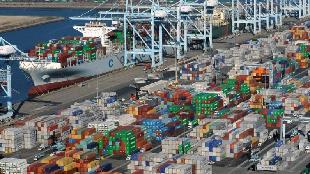 锐参考| 搅乱世界的贸易战,竟缘于特朗普数学不好?这家中国智库给出了真相——