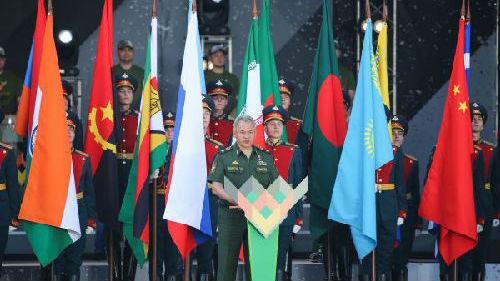 """俄媒:考验""""十八般武艺"""" 2018国际军事比赛莫斯科开幕"""