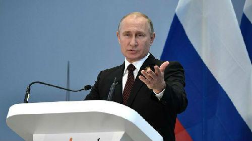 俄媒:普京挺人民币批美元 称人民币具备储备货币属性资质