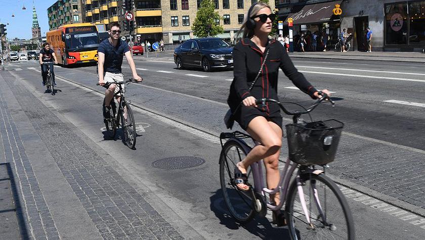 """受保护的自行车带:绿色""""波浪"""""""