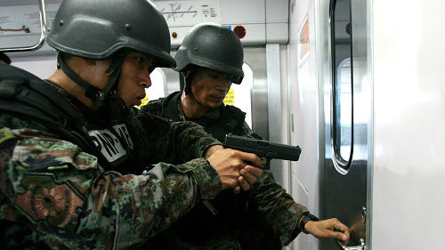 英媒称中国再向菲律宾捐赠武器装备:继续拉近两国关系