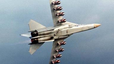"""""""炸弹卡车""""!看战机如何满挂弹药试飞"""