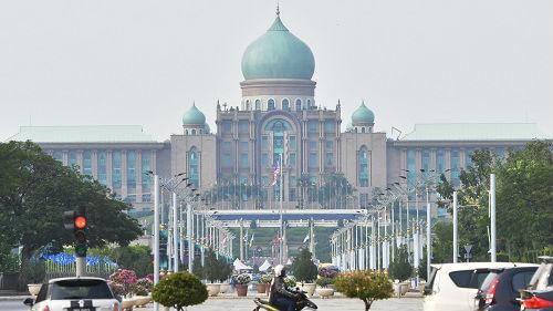 外媒关注王毅访问马来西亚:马方随时准备与中国合作