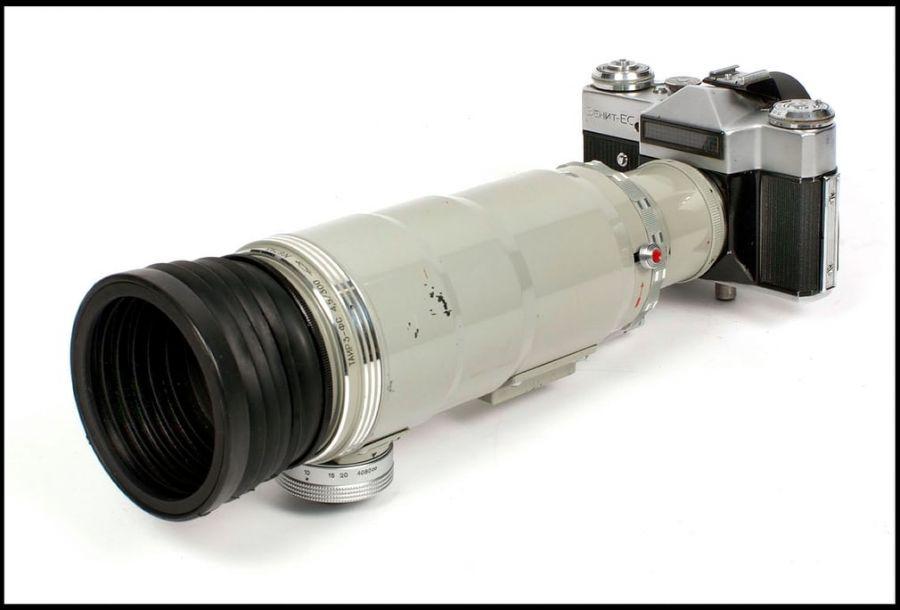 这是雨伞、香烟?不!这是冷战时期的间谍用照相机