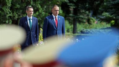 罗马尼亚和英国将就发展双边国防合作继续磋商
