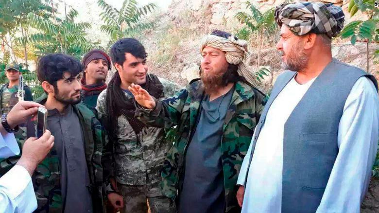 """200余名恐怖组织成员向阿富汗军方自首 自称""""受够了战火"""""""