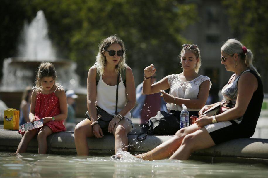 欧洲多地遭遇高温天气 气温或刷新纪录