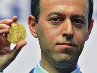 """""""数学界诺奖""""奖牌被盗 伊朗数学家再得一块"""