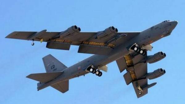 携带炸弹之母还是神秘大杀器?美军为B-52升级外挂架引猜测