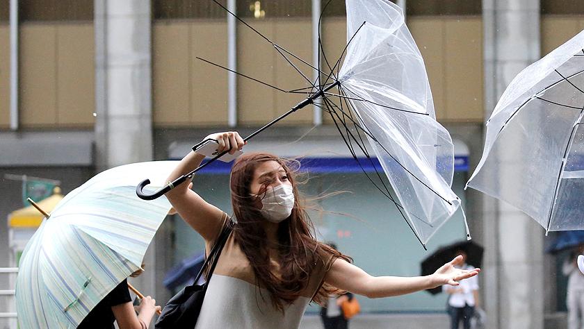 日本遭遇强风和降雨天气