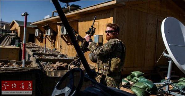 资料图:一名美国特种部队士兵在执行任务(美国《纽约时报》网站)