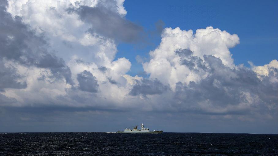 中国6次警告擅闯南海岛礁美军机 美媒:中国已牢固确立地位