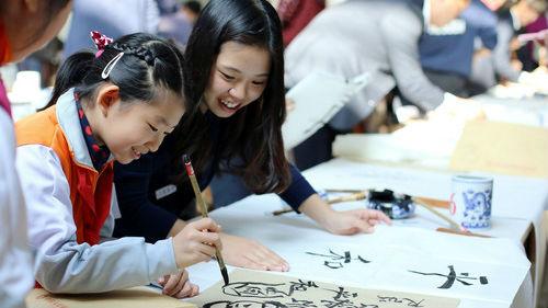 日報講述中國赴日留學生故事:從向日本學習到中日互相學習