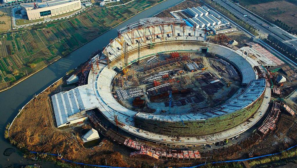 评论:建设体育场,用活边角地