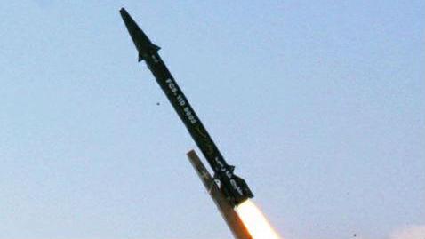 """法媒称伊朗用导弹向美国秀肌肉:""""我们每天都将提高其威力"""""""