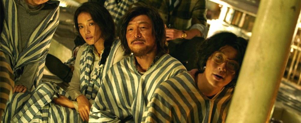 《一出好戏》:尽管青涩,黄渤的导演处女作赢了构思