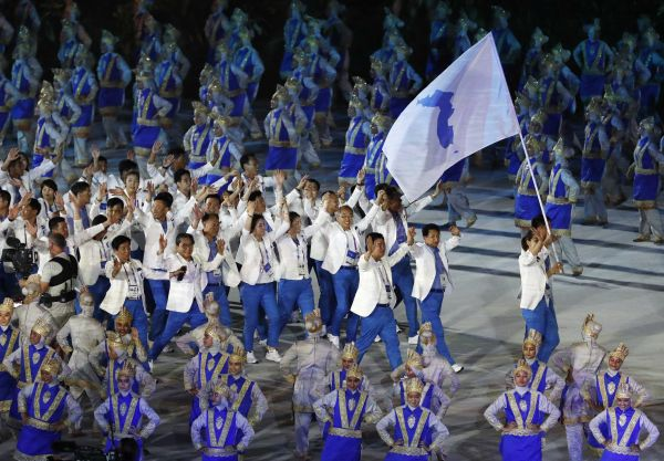 雅加达亚运会盛大开幕 朝韩运动员共同组队入场